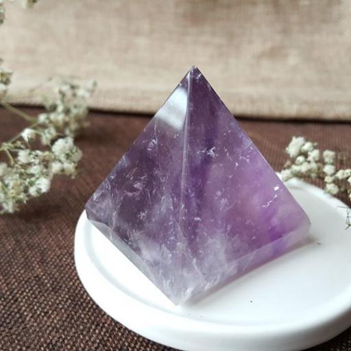 紫水晶金字塔