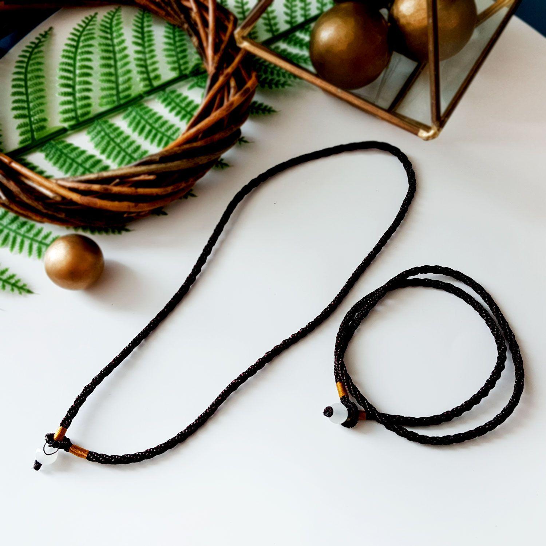 玉石褐绳项链