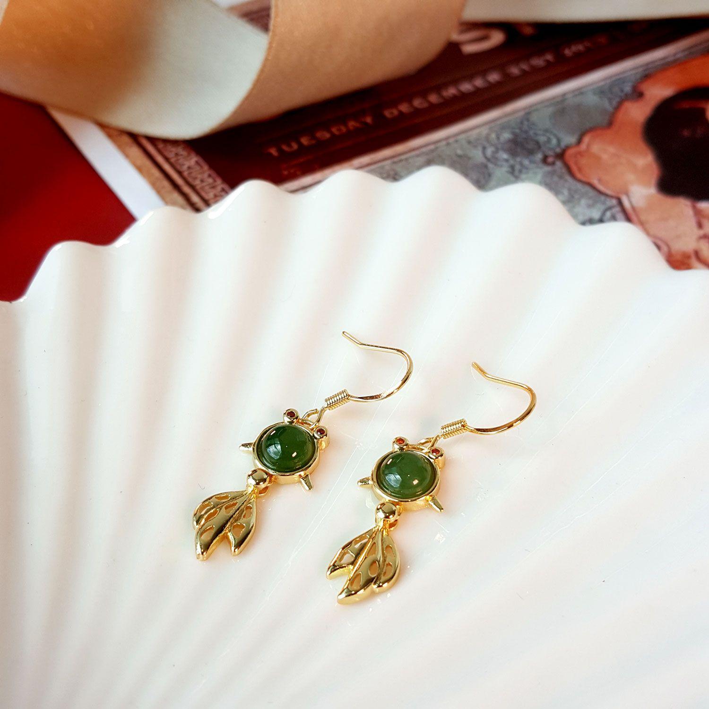 绿碧玉金鱼耳环